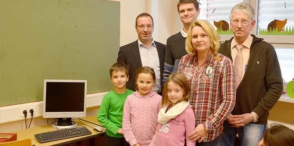 satware AG spendet PC für Paternus Grundschule